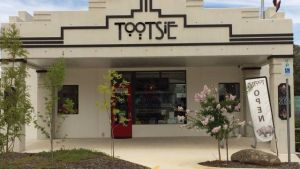 Tootsie Fine Art and Design - Hervey Bay Accommodation