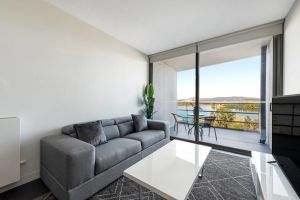 Canberra Luxury Apartment 5 - Hervey Bay Accommodation